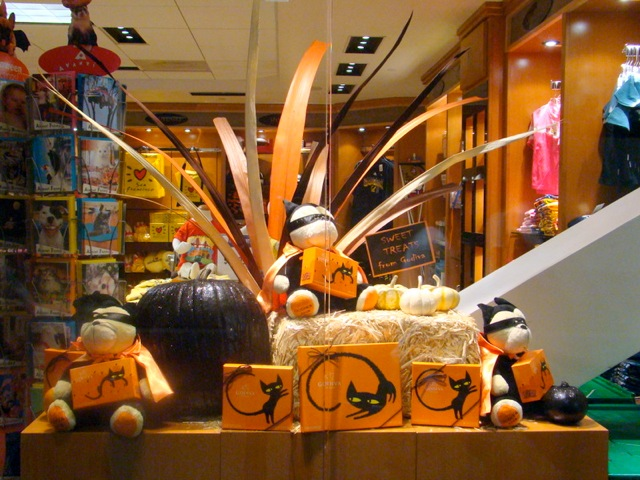 Eye-catching Halloween Window Display