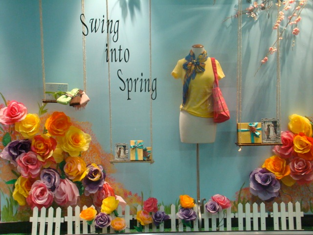 Budget Friendly Resources for Fantastic Retail Window Displays