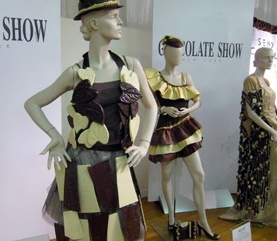 Fashion Mannequins  Sale Coach on Mannequin Madness    Blog Archive    Creative Use Of A Mannequin At