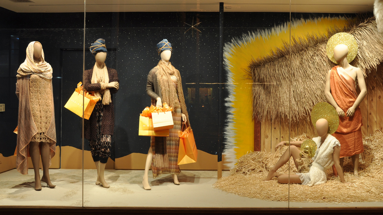 Christmas Window Ideas For Retail.Christmas Window Displays That Are More Naughty Than Nice