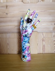 Cool art projects using mannequin hands the mannequin madness blog