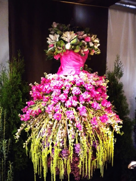 7 Examples Of Floral Design Using Mannequins