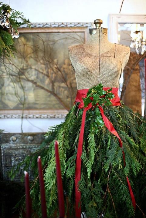 Ways florists use mannequins for xmas decor