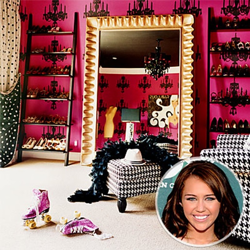 How to turn your closet into a celebrity style dressing for Celebrity dressing room mirror
