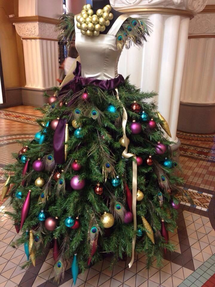 Here Is A Round Of Up Of The 10 Most Popular Dress Form Christmas Trees That Feature The Ballroom Skirt Free Feel To Vote Below On Your Favorite