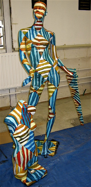 Three Dimensional Abstract Art Using Mannequins