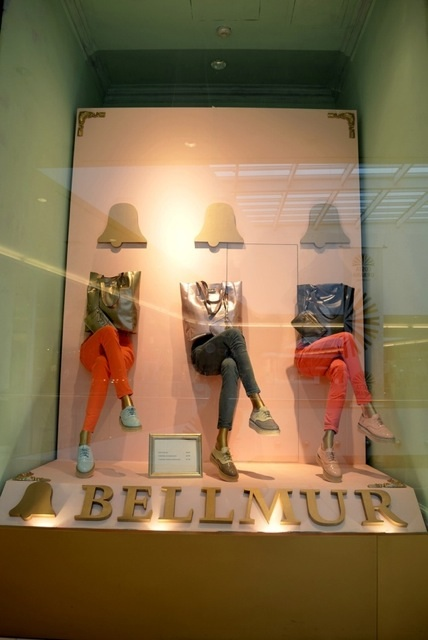6 High Impact Budget Friendly Window Displays With