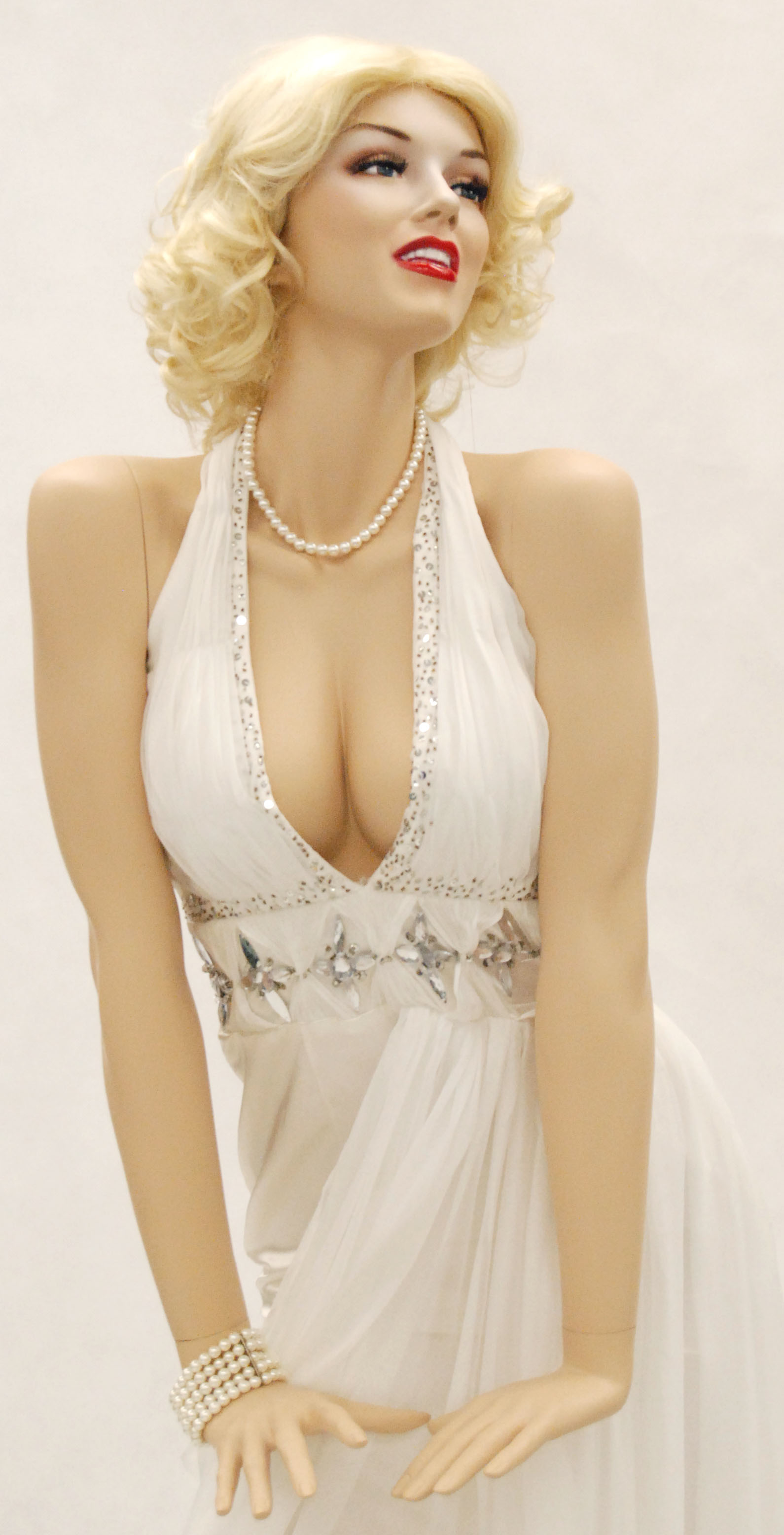 Marilyn Monroe Style Mannequin For Sale 300